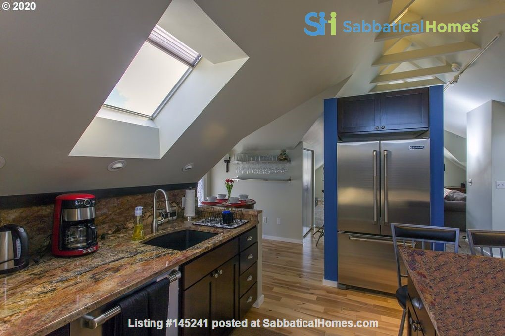 Fully furnished, spacious, and light-filled top floor duplex Home Rental in Portland, Oregon, United States 5