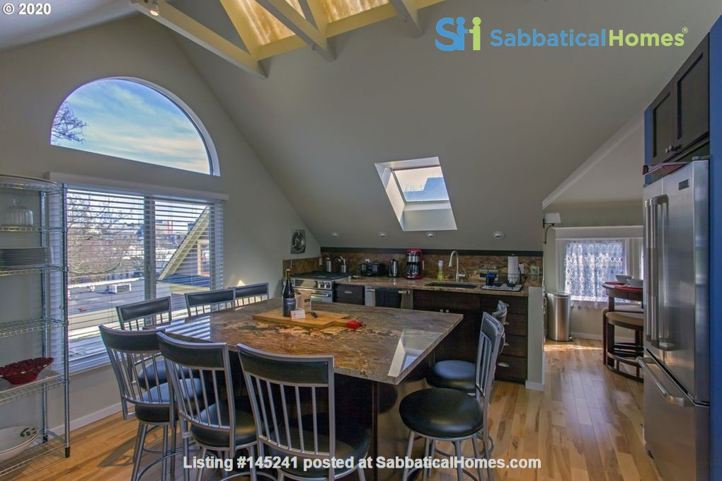 Fully furnished, spacious, and light-filled top floor duplex Home Rental in Portland, Oregon, United States 6