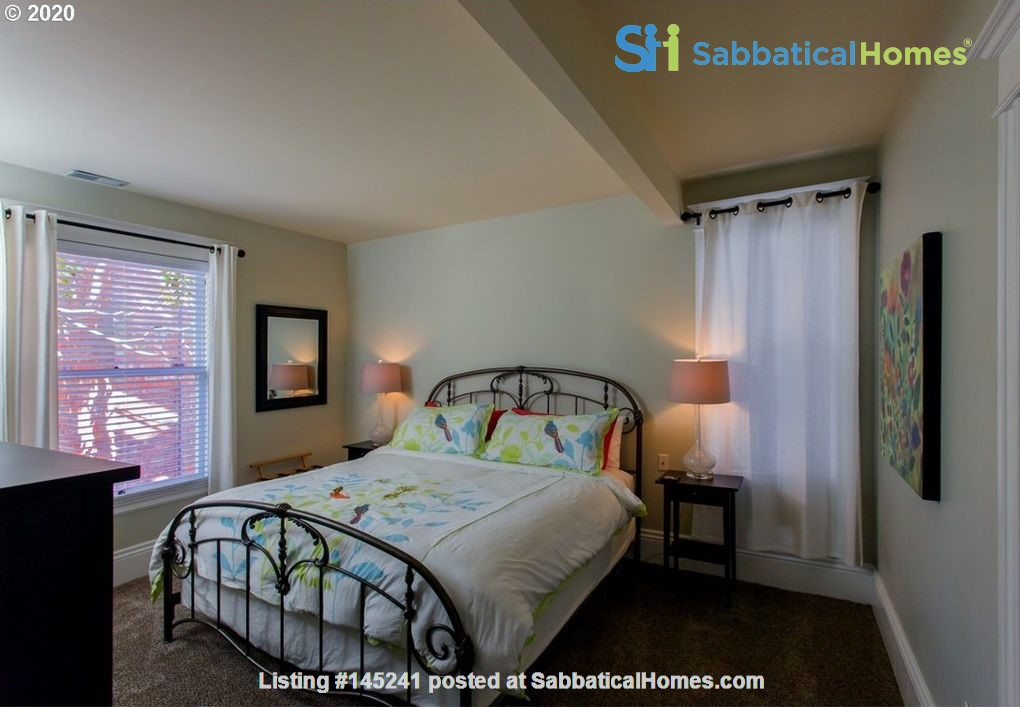 Fully furnished, spacious, and light-filled top floor duplex Home Rental in Portland, Oregon, United States 7