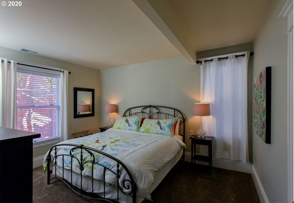 Fully furnished, spacious, and light-filled top floor duplex Home Rental in Portland 7 - thumbnail