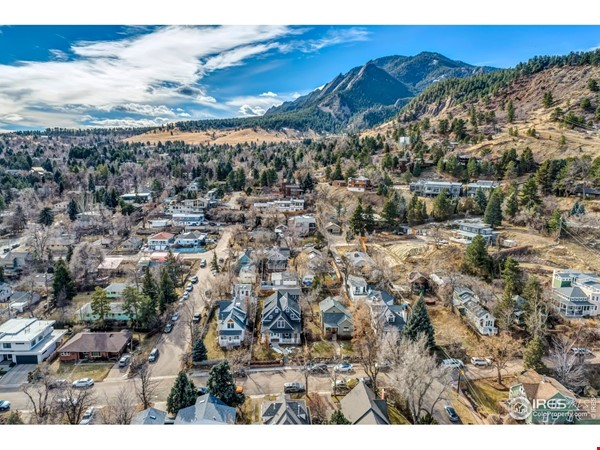 Luxury, Location, Lifestyle near downtown and close to CU Boulder Home Rental in Boulder 9 - thumbnail