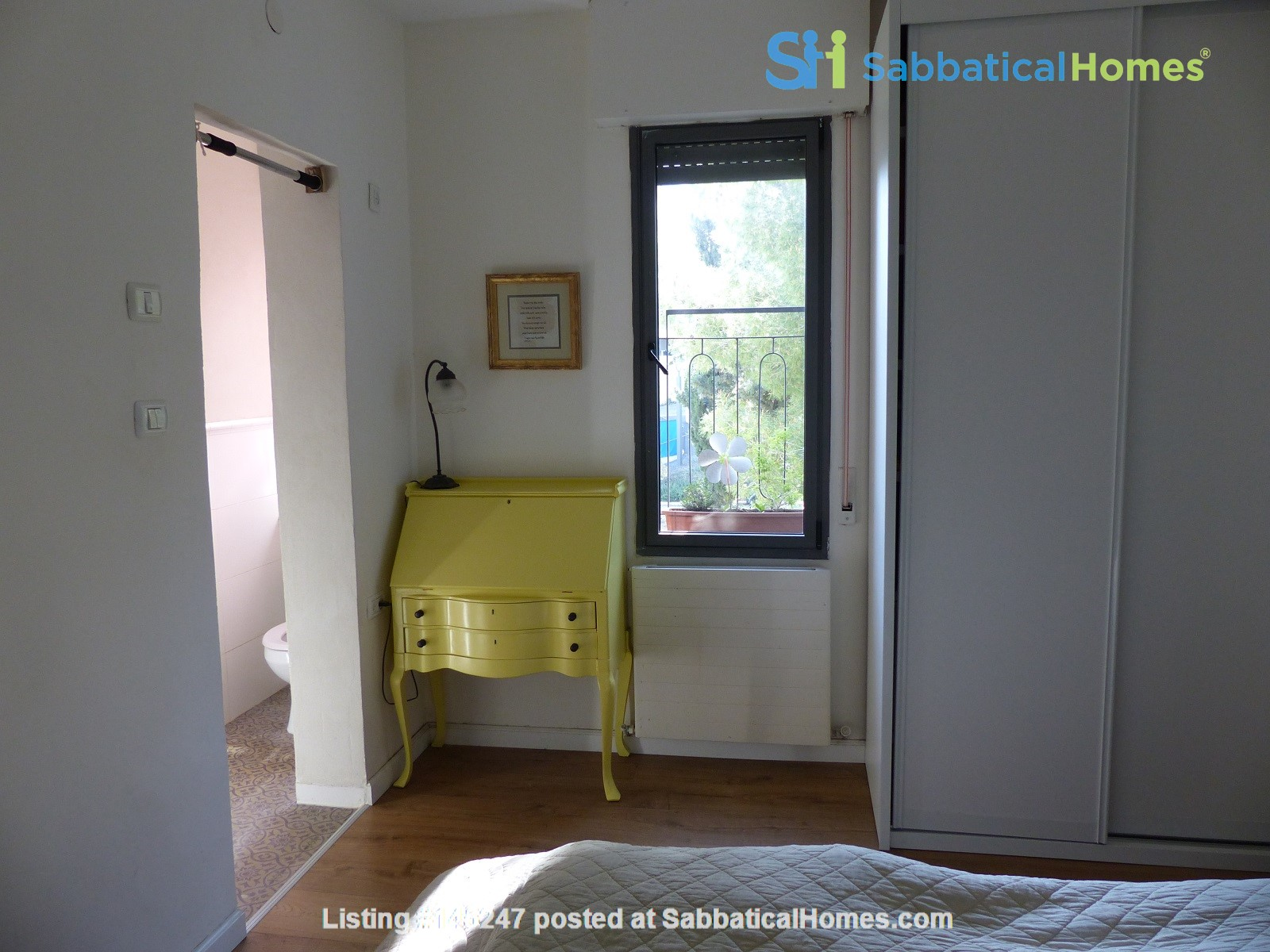 Bright renovated apartment (2BR) with great views near Givat Ram Home Rental in Jerusalem, Jerusalem District, Israel 3
