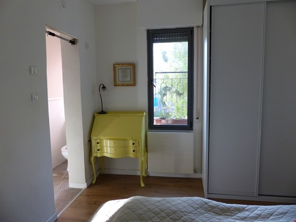 Bright renovated apartment (2BR) with great views near Givat Ram Home Rental in Jerusalem 3 - thumbnail