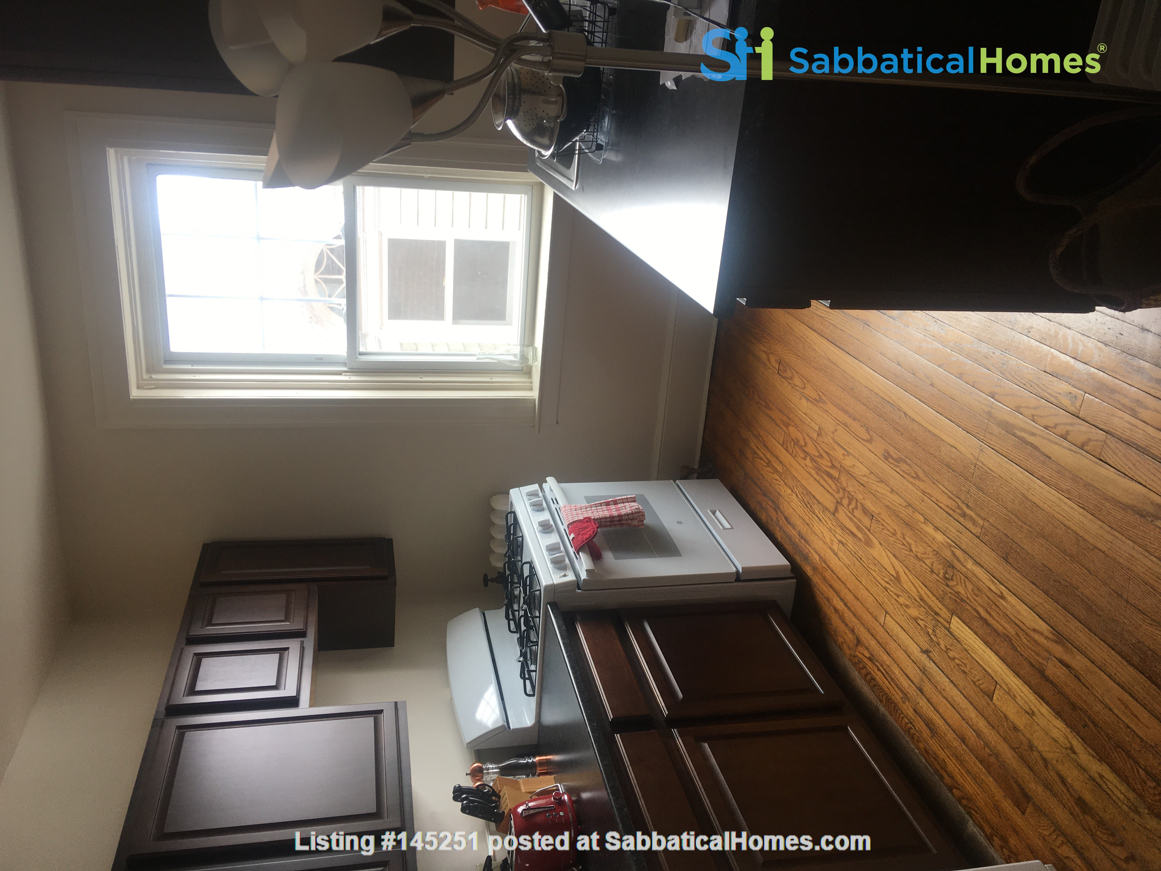 A great, bright and cozy academic sublet Home Rental in New Haven, Connecticut, United States 3