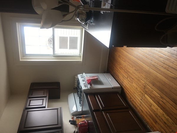 A great, bright and cozy academic sublet Home Rental in New Haven 3 - thumbnail