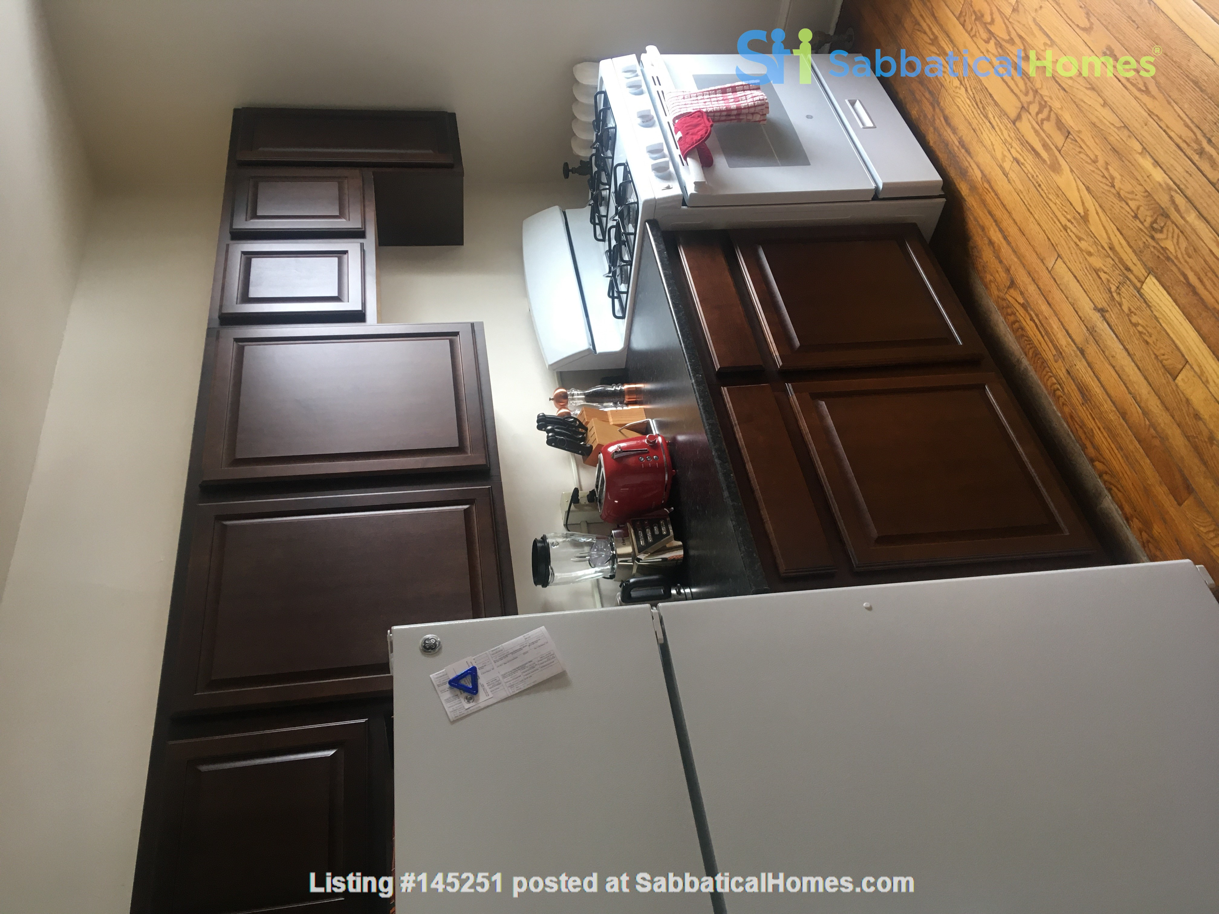 A great, bright and cozy academic sublet Home Rental in New Haven, Connecticut, United States 4