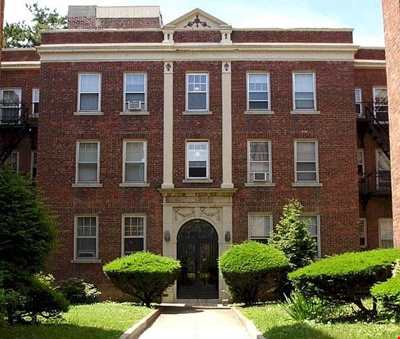 A great, bright and cozy academic sublet Home Rental in New Haven 0 - thumbnail
