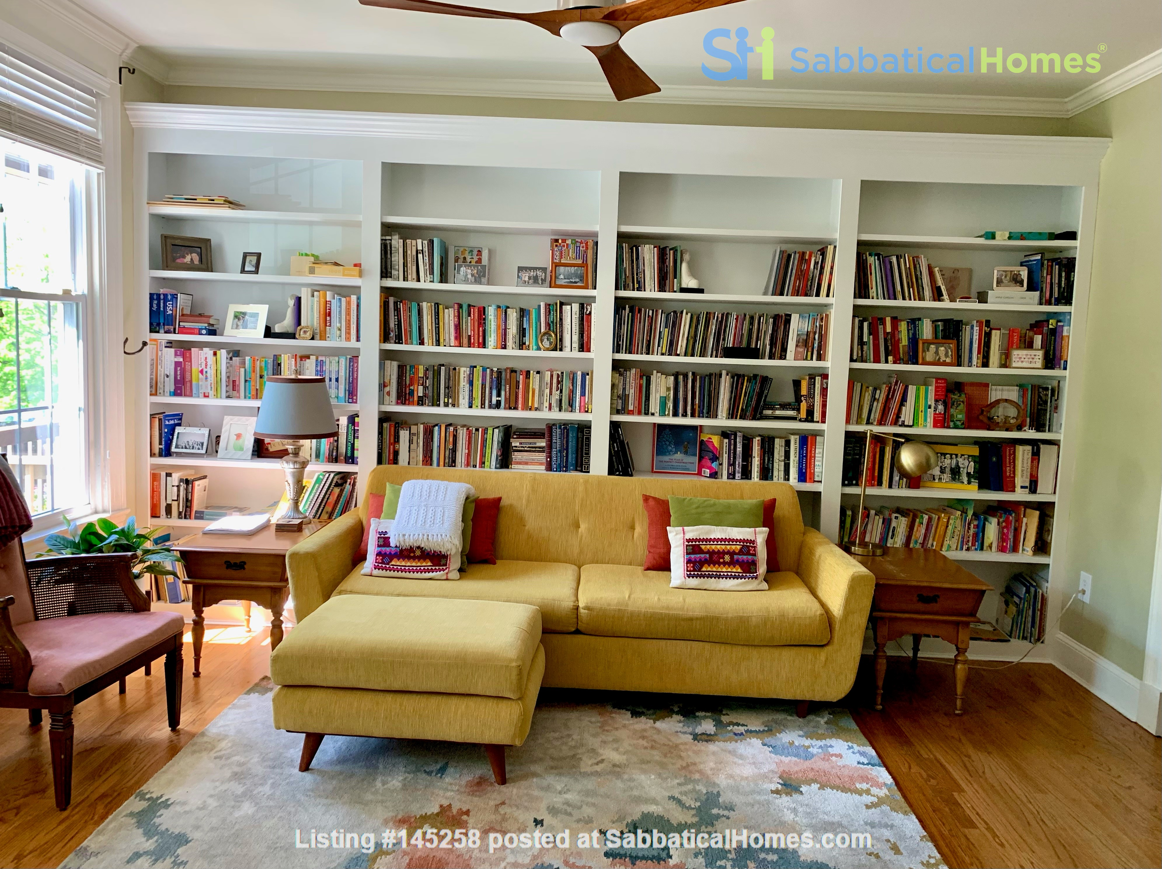 Charming 1919 rowhouse in East Capitol Hill Home Rental in Washington, District of Columbia, United States 1