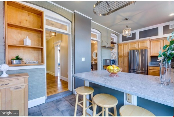 Charming 1919 rowhouse in East Capitol Hill Home Rental in Washington 3 - thumbnail