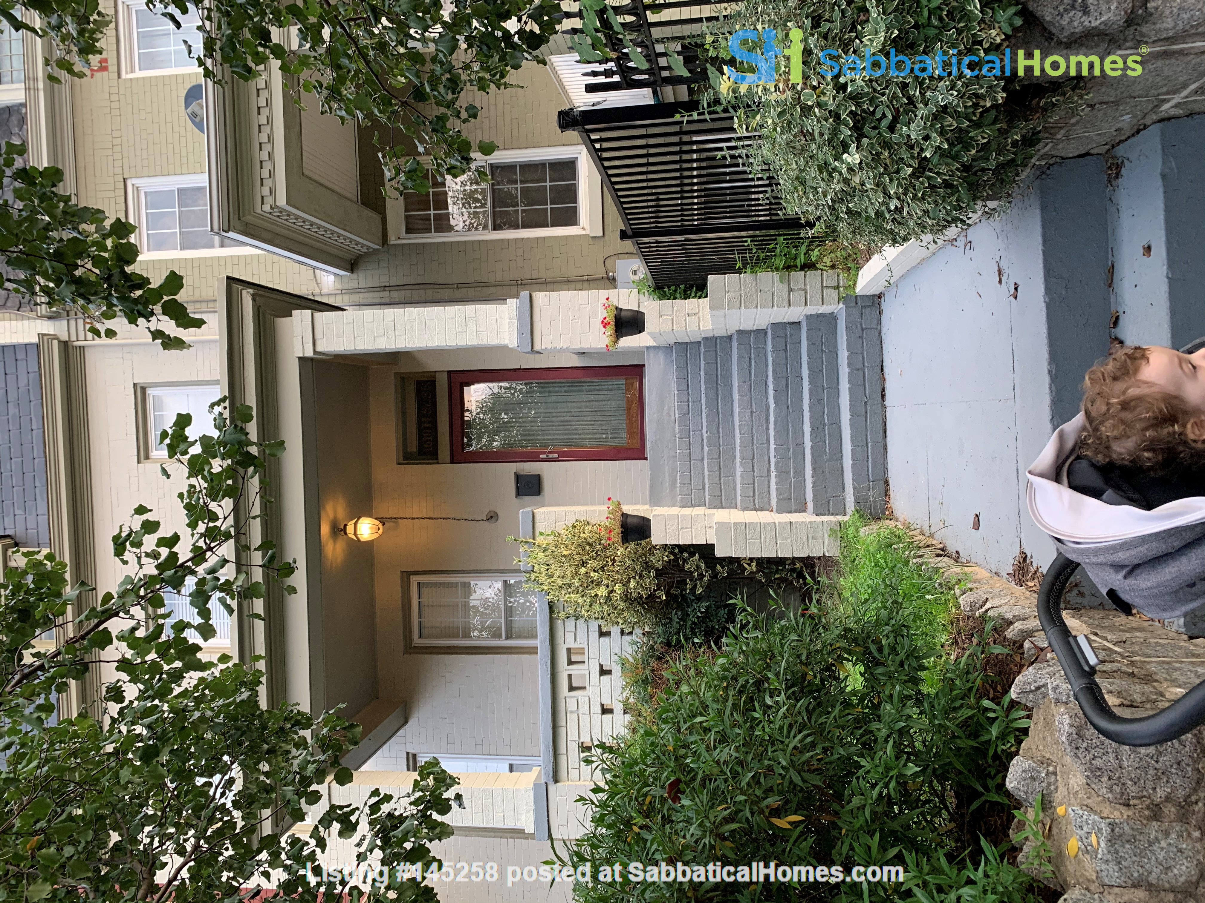 Charming 1919 rowhouse in East Capitol Hill Home Rental in Washington, District of Columbia, United States 0