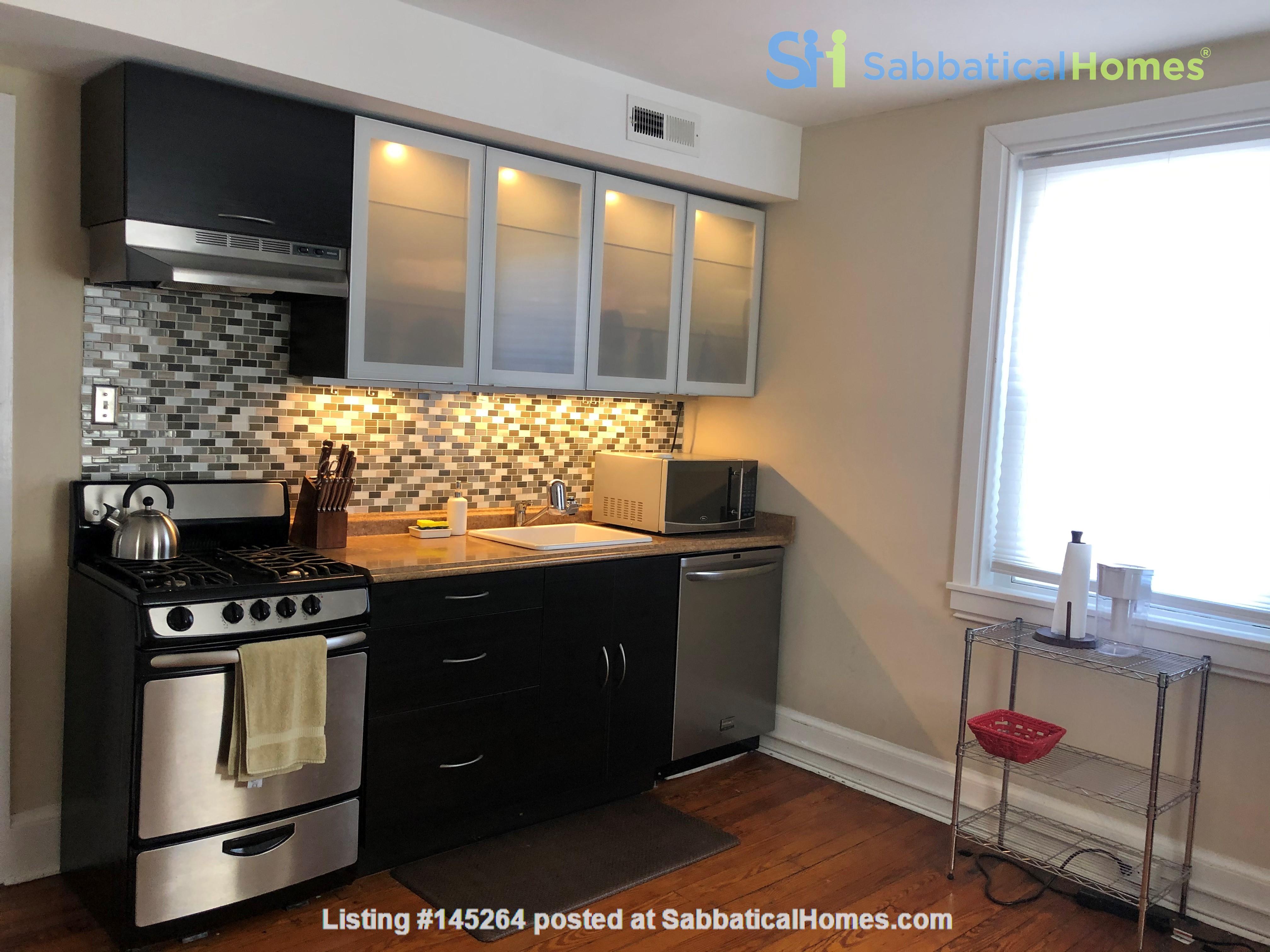 3 beds / 1 bath upper duplex in Bryn Mawr, PA Home Rental in Bryn Mawr, Pennsylvania, United States 1