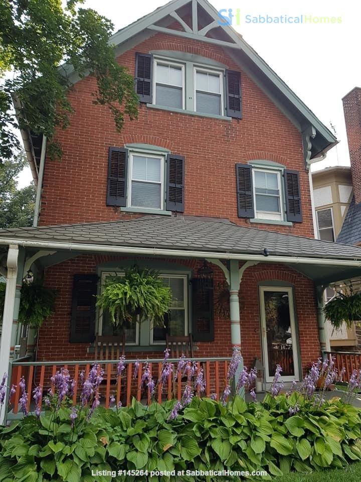 3 beds / 1 bath upper duplex in Bryn Mawr, PA Home Rental in Bryn Mawr, Pennsylvania, United States 0