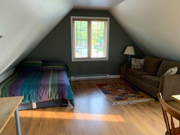 Beautiful loft / studio Home Rental in Gatineau 0 - thumbnail