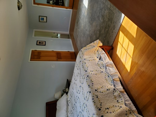 Spacious, Peaceful Getaway in Beautiful Amherst, MA, 4 BR 3.5 ba Home Rental in Amherst 3 - thumbnail