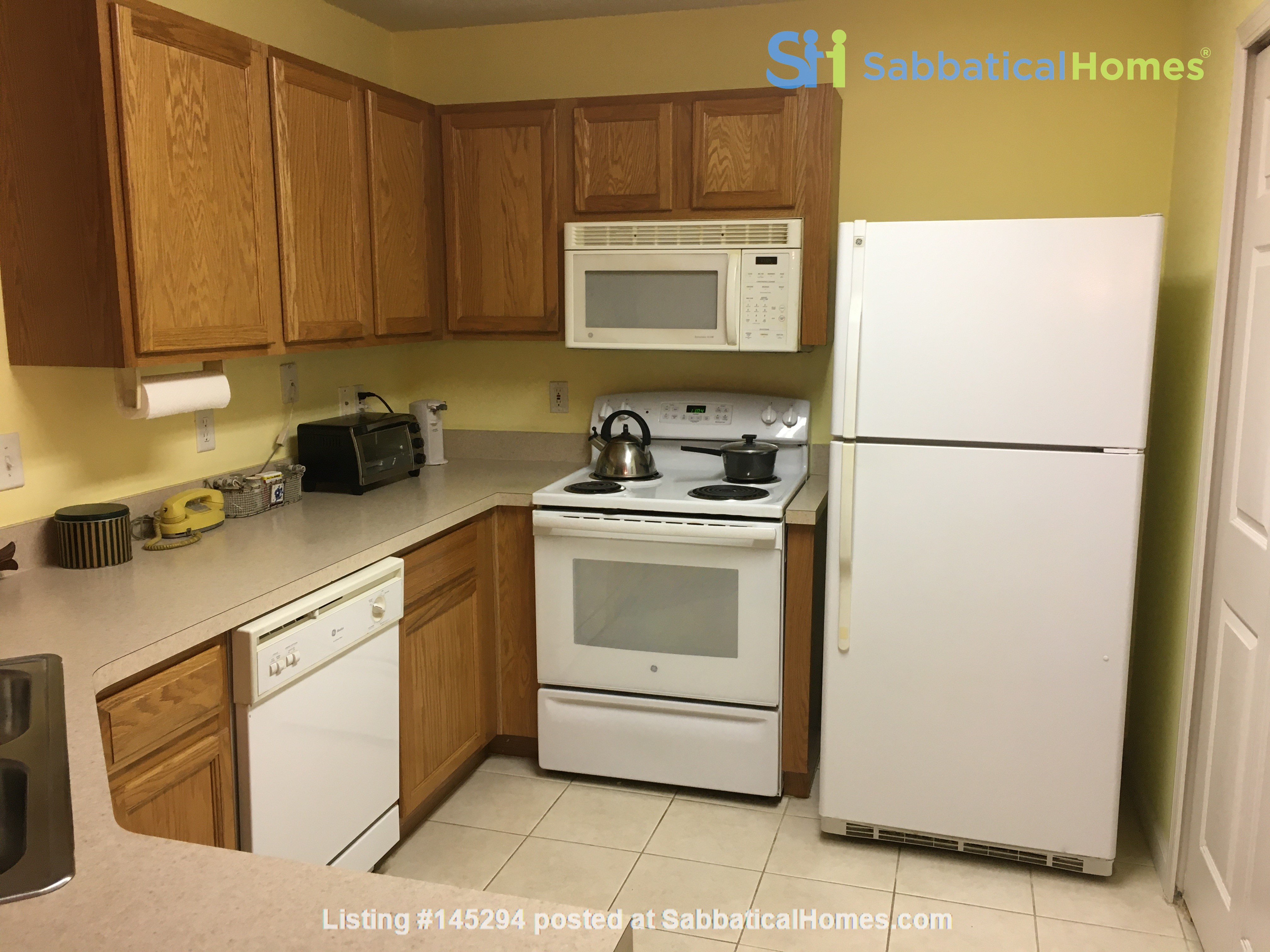 Quiet Retreat Near UNF and Beaches Home Rental in Jacksonville, Florida, United States 3