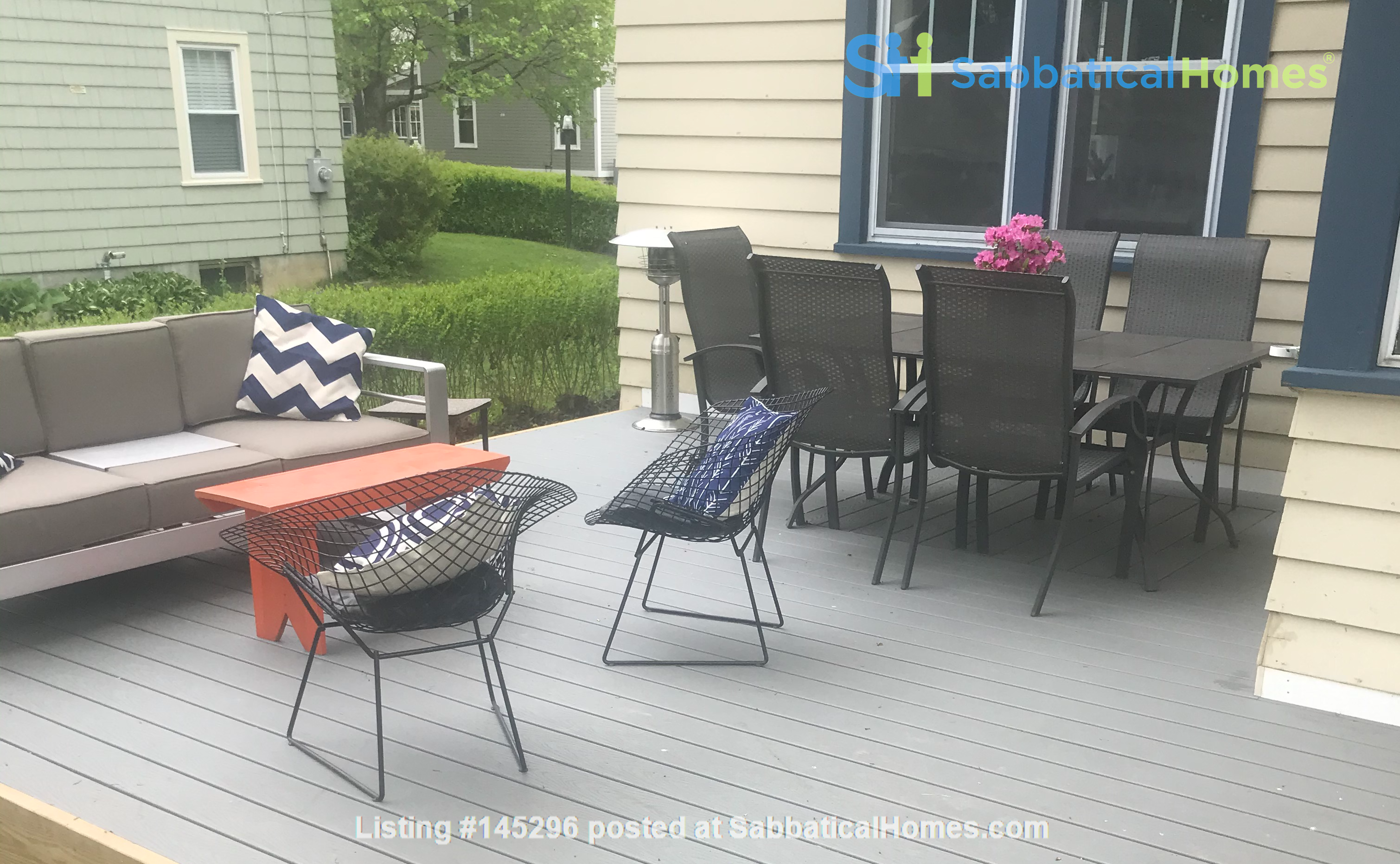 Charming 4 bedroom home in Williamstown - walk to campus and downtown Home Rental in Williamstown, Massachusetts, United States 0