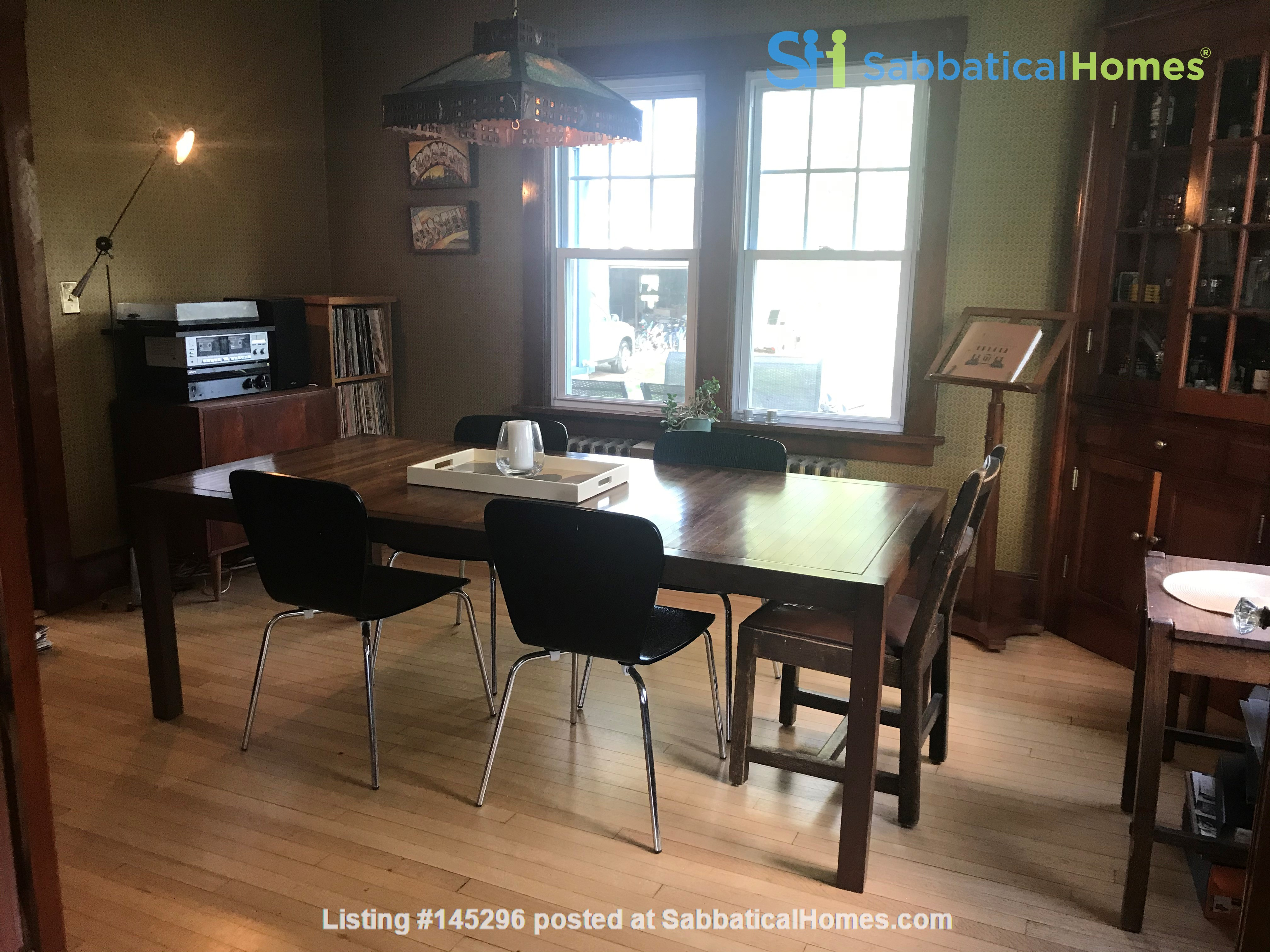 Charming 4 bedroom home in Williamstown - walk to campus and downtown Home Rental in Williamstown, Massachusetts, United States 1