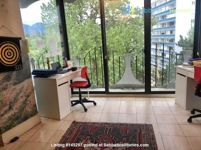 ENTIRE FLOOR RESIDENCE AT UPSCALE 'CHILCO' IN FANTASTIC WEST END LOCATION Home Rental in Vancouver, British Columbia, Canada 6