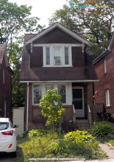 Three bedroom detached family home on dead end street Home Rental in Toronto, Ontario, Canada 8