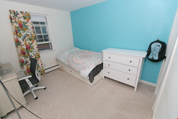 Furnished family house, 4Bd&2Ba, Newton Center, minutes to Boston College Home Rental in Newton 4 - thumbnail