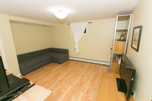 Furnished family house, 4Bd&2Ba, Newton Center, minutes to Boston College Home Rental in Newton 8 - thumbnail