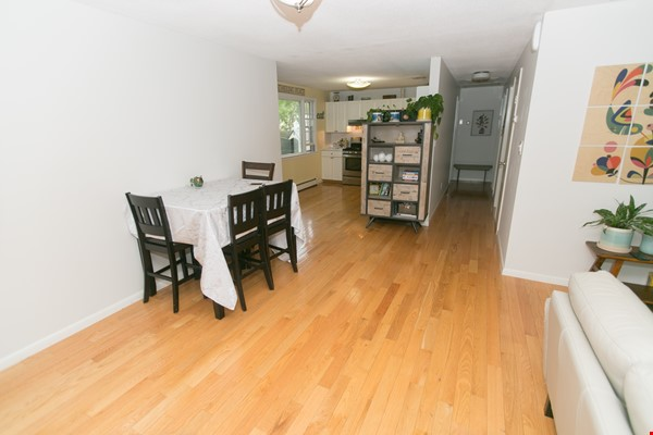 Furnished family house, 4Bd&2Ba, Newton Center, minutes to Boston College Home Rental in Newton 1 - thumbnail