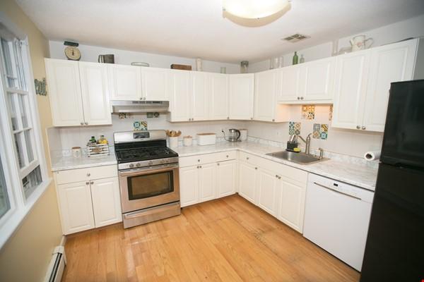 Furnished family house, 4Bd&2Ba, Newton Center, minutes to Boston College Home Rental in Newton 2 - thumbnail