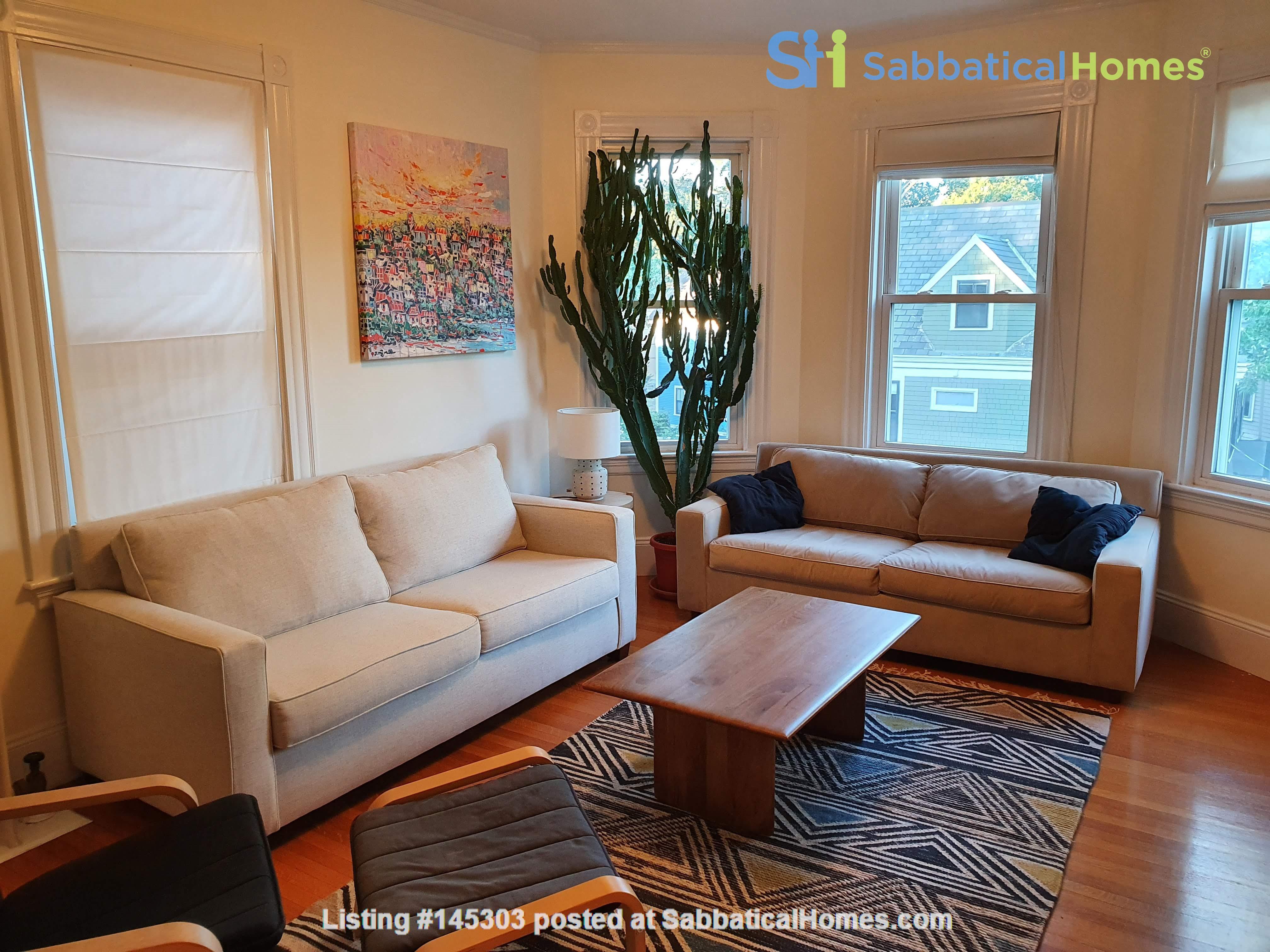 Cambridge third floor bright condo near Harvard Square Home Rental in Cambridge, Massachusetts, United States 4