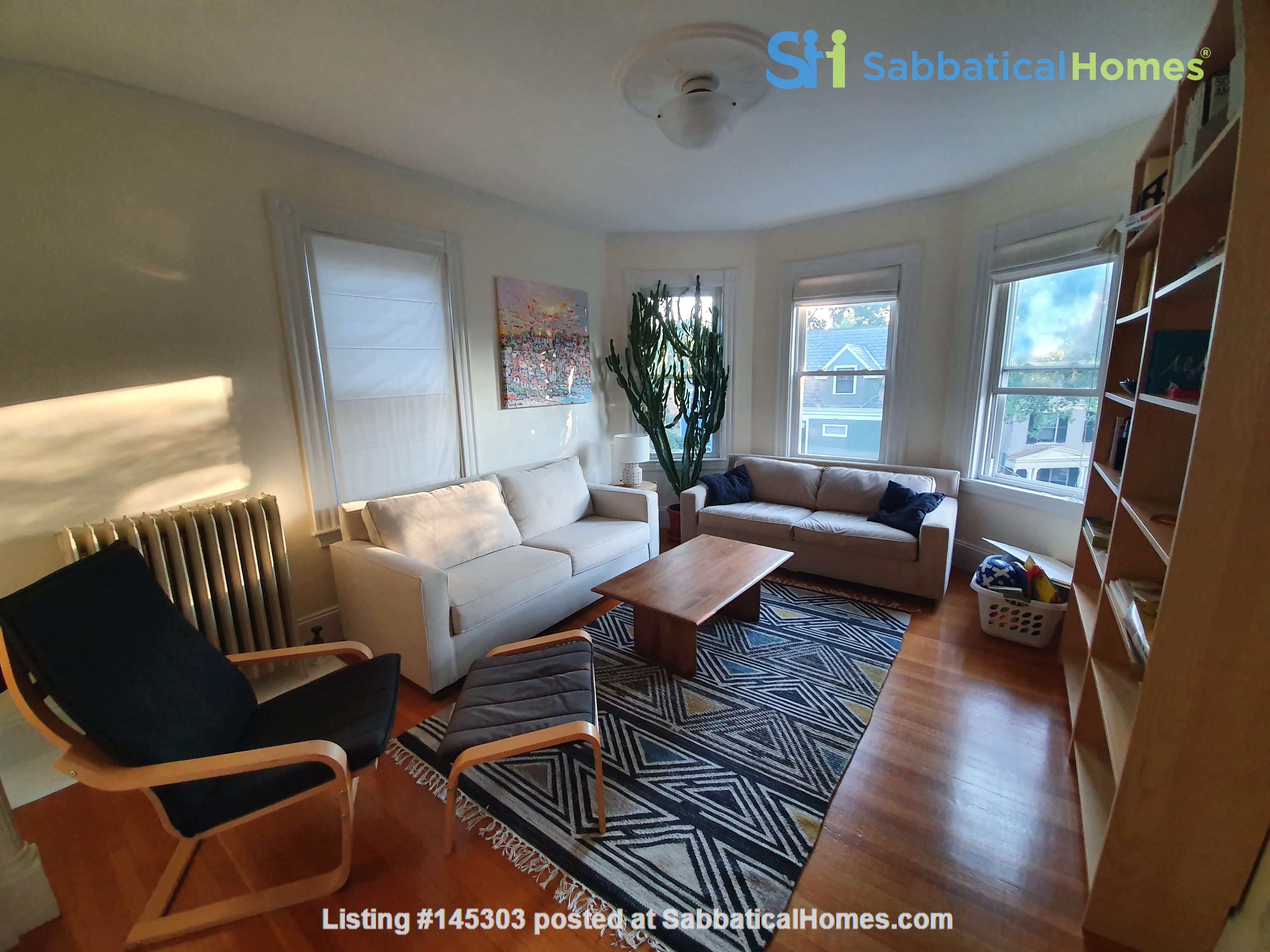 Cambridge third floor bright condo near Harvard Square Home Rental in Cambridge, Massachusetts, United States 5
