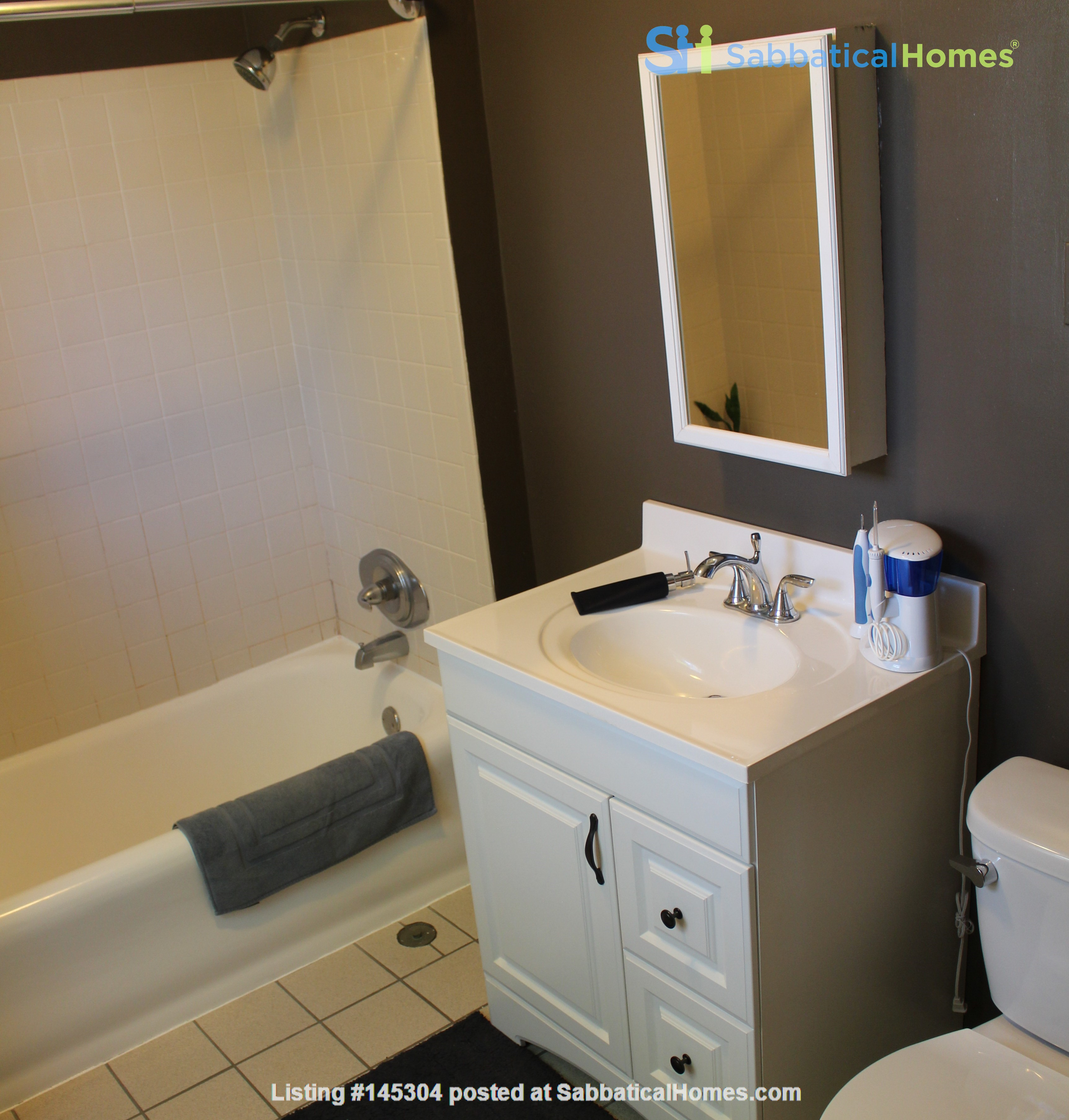 1 BR Condo for long-term lease comes w pool, gym and charm! Home Rental in Philadelphia, Pennsylvania, United States 7