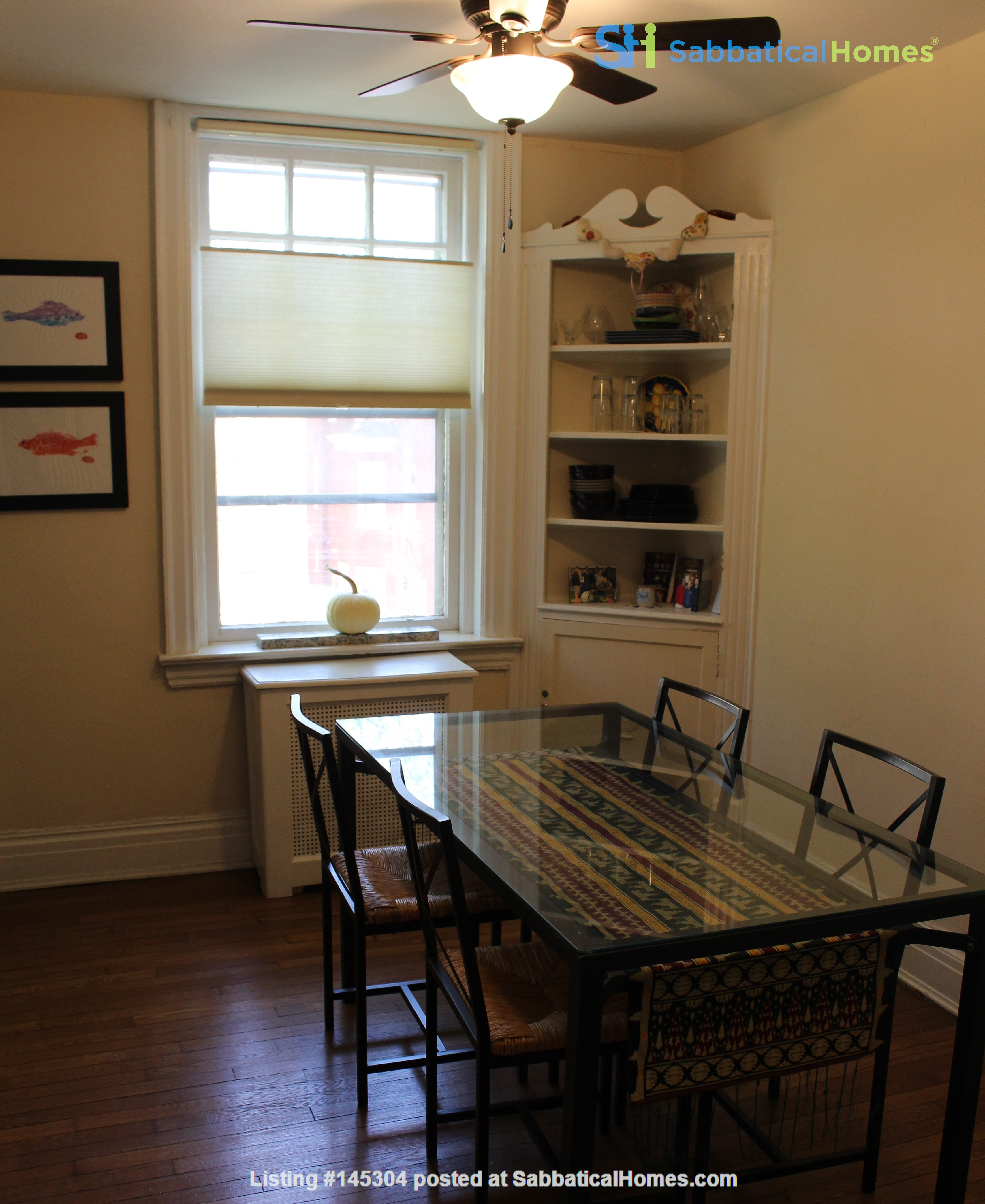 1 BR Condo for long-term lease comes w pool, gym and charm! Home Rental in Philadelphia, Pennsylvania, United States 2