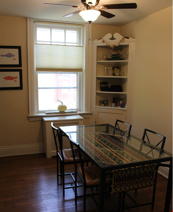 1 BR Condo for long-term lease comes w pool, gym and charm! Home Rental in Philadelphia 2 - thumbnail