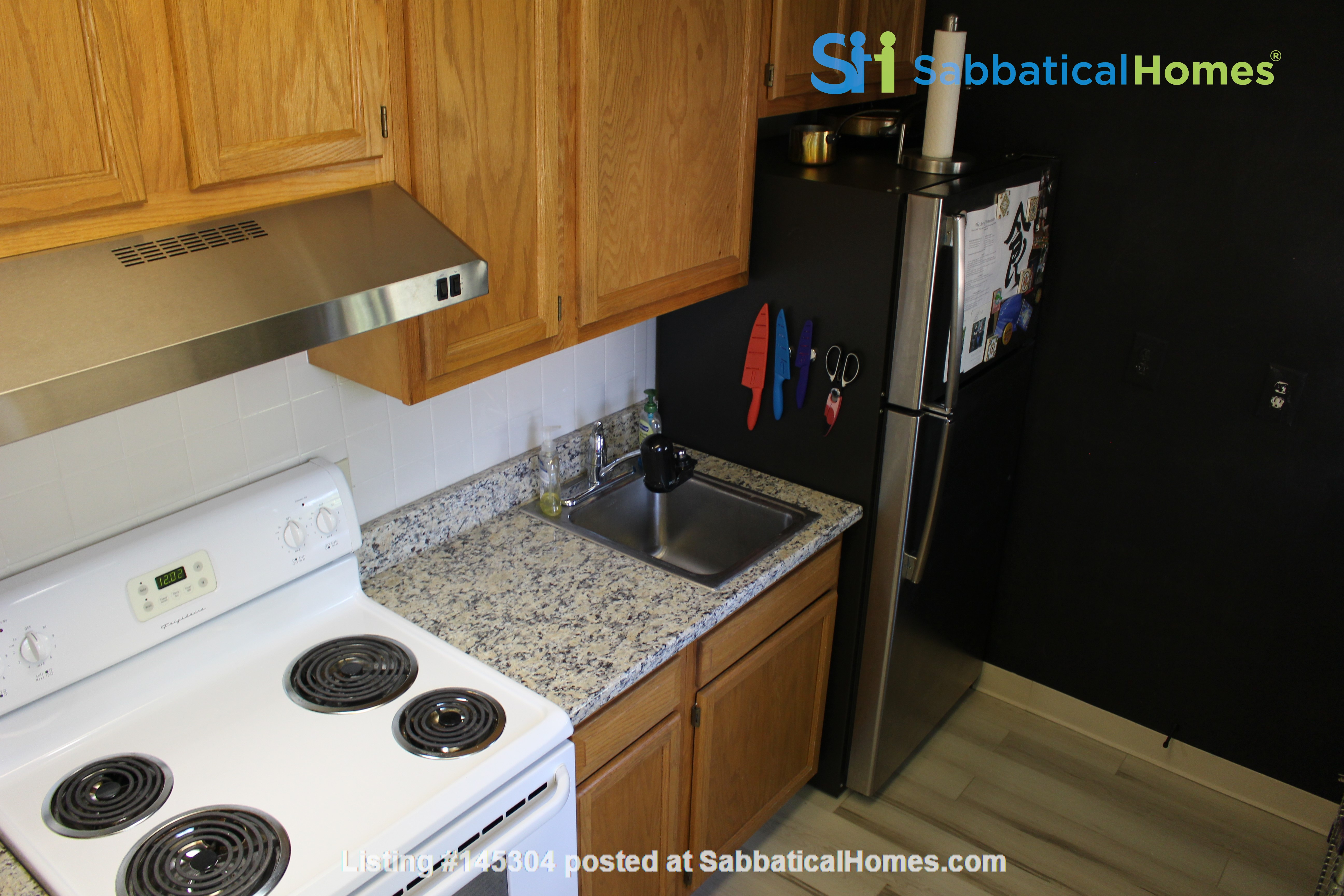 1 BR Condo for long-term lease comes w pool, gym and charm! Home Rental in Philadelphia, Pennsylvania, United States 3
