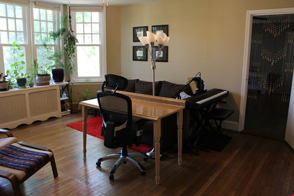 1 BR Condo for long-term lease comes w pool, gym and charm! Home Rental in Philadelphia 6 - thumbnail