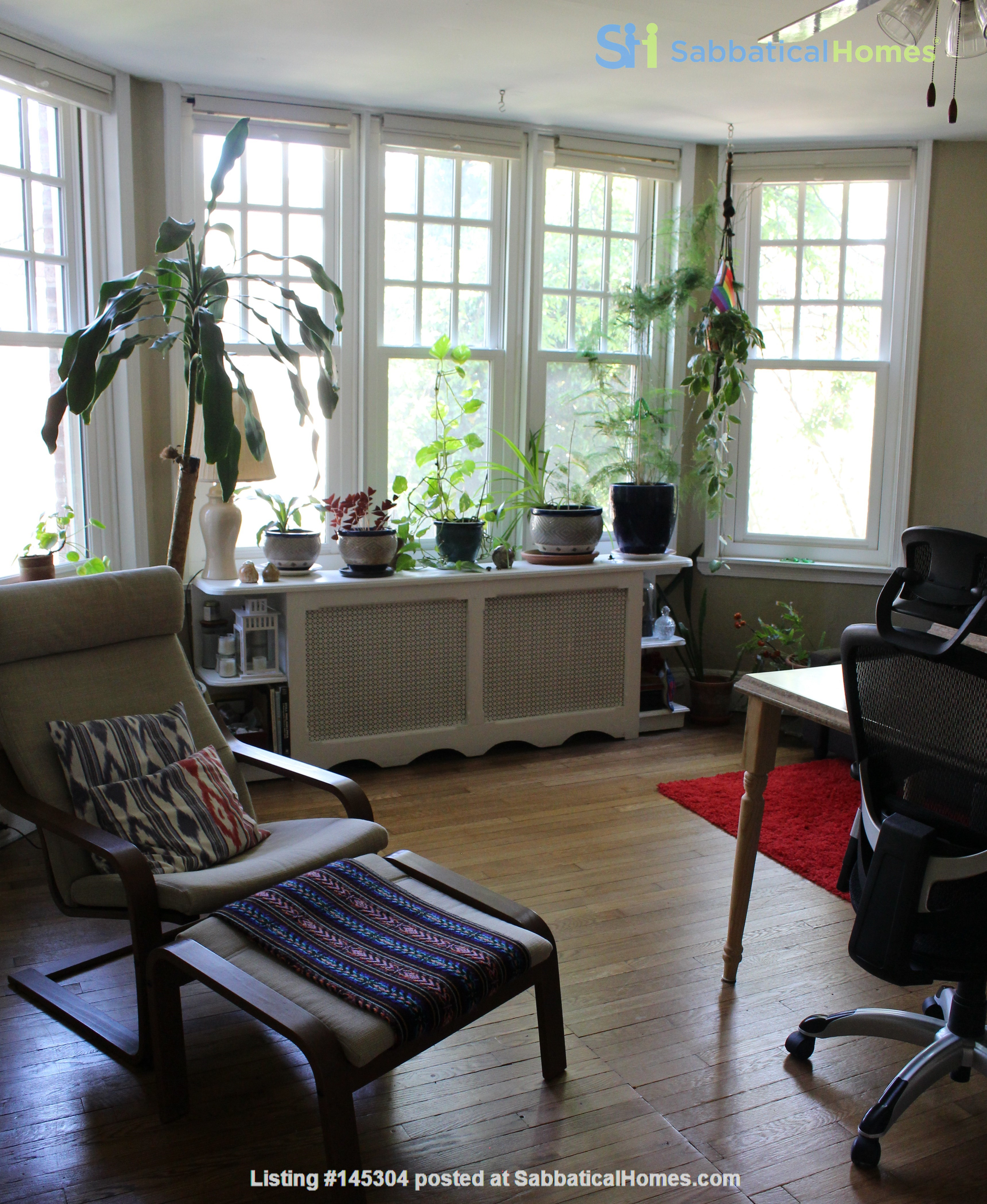 1 BR Condo for long-term lease comes w pool, gym and charm! Home Rental in Philadelphia, Pennsylvania, United States 1