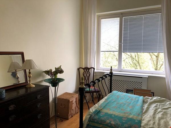 Elegant 1930s apartment in quiet  neighborhood close to Berlin center. Home Rental in Berlin 7 - thumbnail