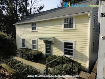 Live in Forest Home with stunning views and a quick walk to campus! Home Rental in Ithaca, New York, United States 1