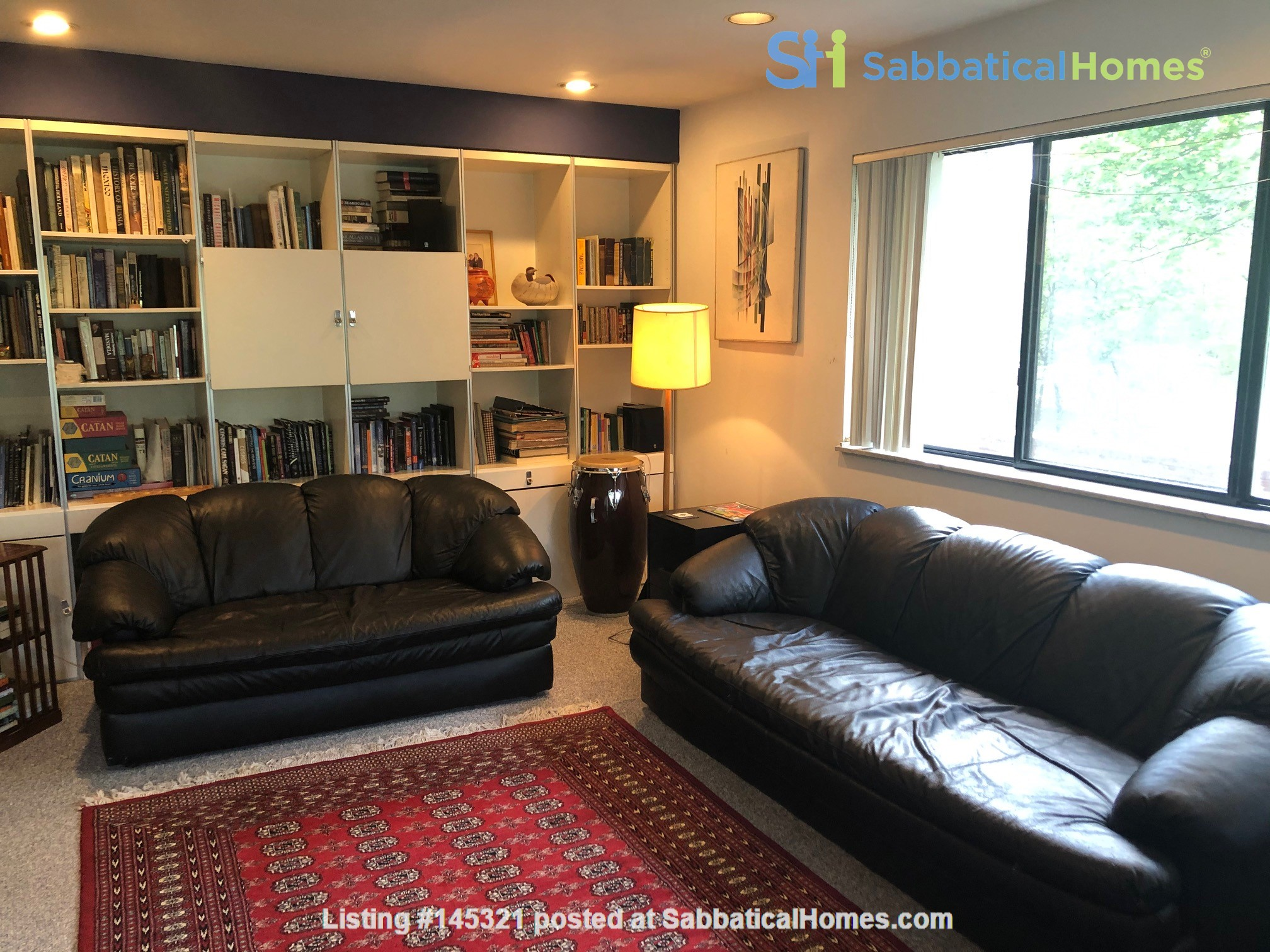 Lovely four bedroom house, wooded setting near UM Central campus & hospital Home Rental in Ann Arbor, Michigan, United States 6