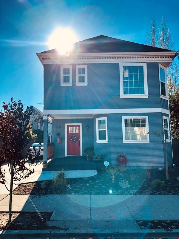 Design-Haven 4 bedroom House Home Exchange in Oakland 0 - thumbnail