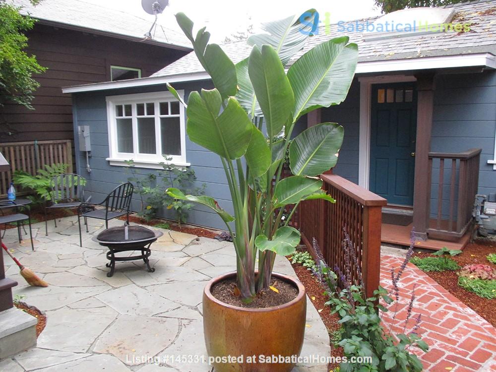 Quiet Private Elmwood Cottage Home Rental in Berkeley, California, United States 0
