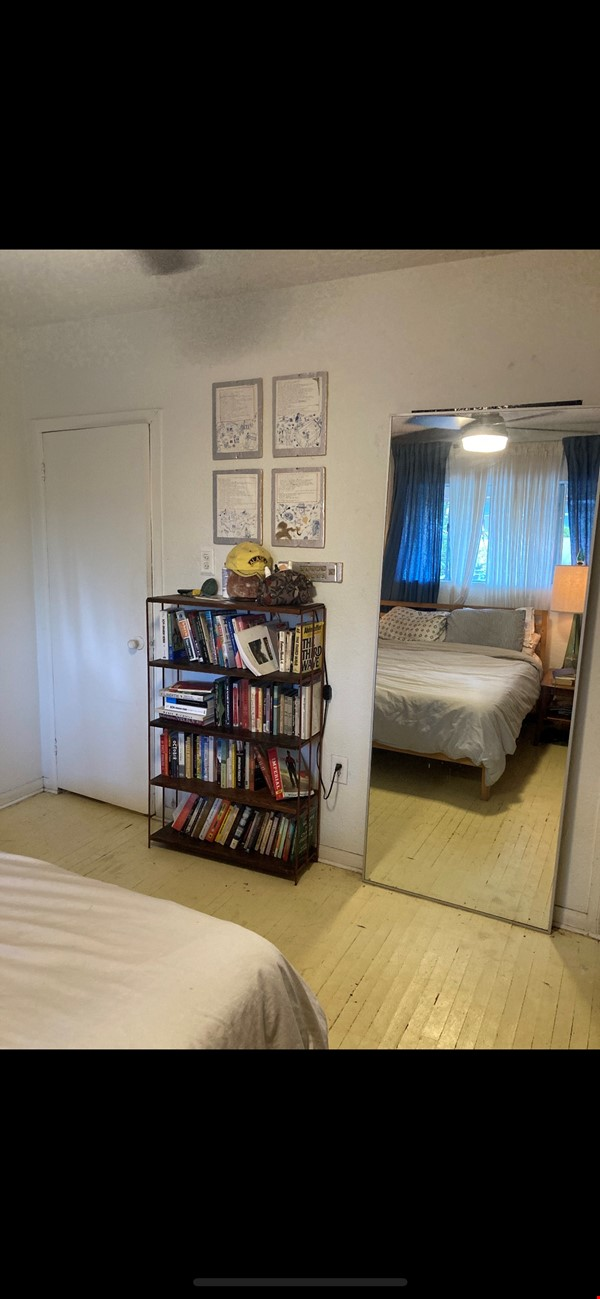 Three Bedroom home with detached office Home Exchange in Los Angeles 6 - thumbnail