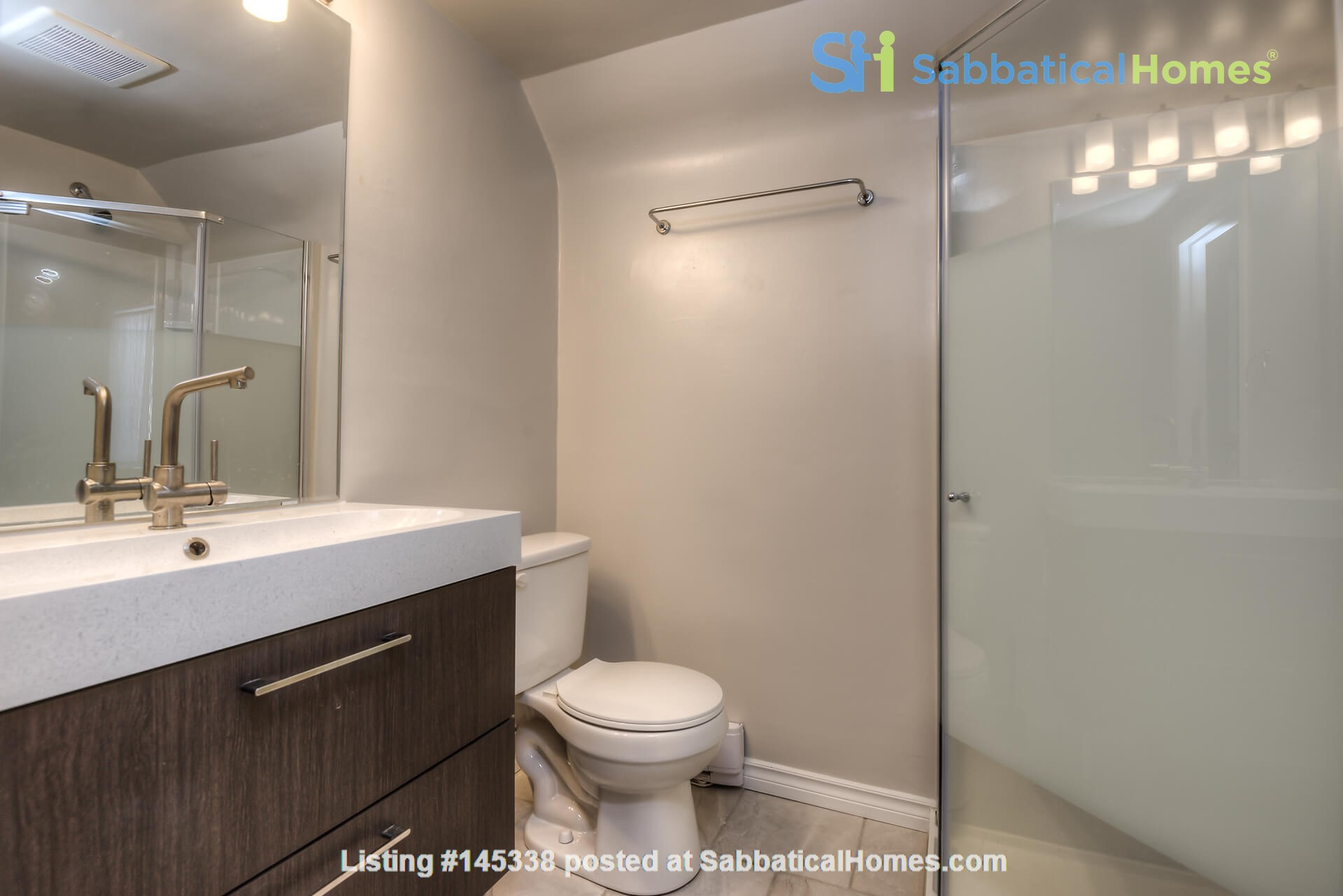 3 bdrm home (unfurnished) - downtown Kitchener-Waterloo Home Rental in Kitchener, Ontario, Canada 5