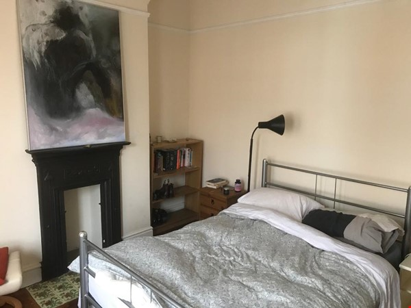 Close to Manchester's universities! Lovely quiet Victorian terraced house Home Rental in Stretford 2 - thumbnail