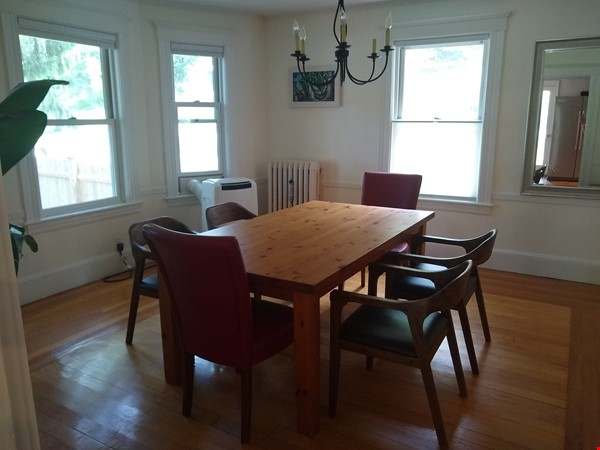 BEAUTIFUL FURNISHED COLONIAL HOUSE IN PRIME LOCATION Home Rental in Winchester 4 - thumbnail