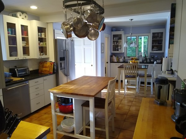 BEAUTIFUL FURNISHED COLONIAL HOUSE IN PRIME LOCATION Home Rental in Winchester 5 - thumbnail