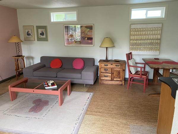 Garden Cottage Rental Home Rental in Richmond 0 - thumbnail