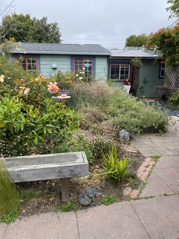 Garden Cottage Rental Home Rental in Richmond 7 - thumbnail