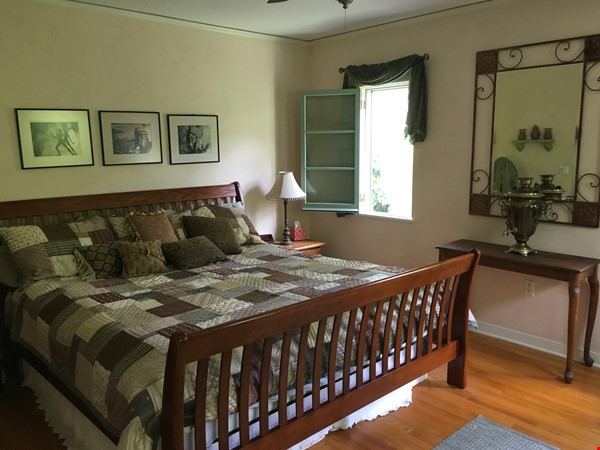 Classic 1920 Spanish Home with View of the San Gabriel Mountains Home Rental in Altadena 6 - thumbnail