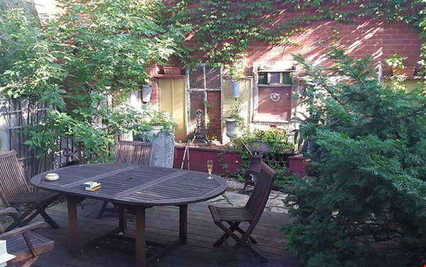Country in the City! Near nature and also downtown Home Rental in Toronto 2 - thumbnail