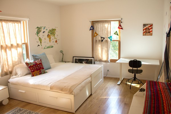 Charming Home in the heart of Echo Park Home Rental in Los Angeles 4 - thumbnail
